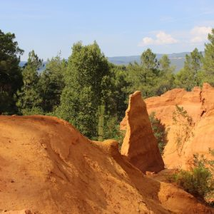 Paint Provence with Tess visits Roussillon