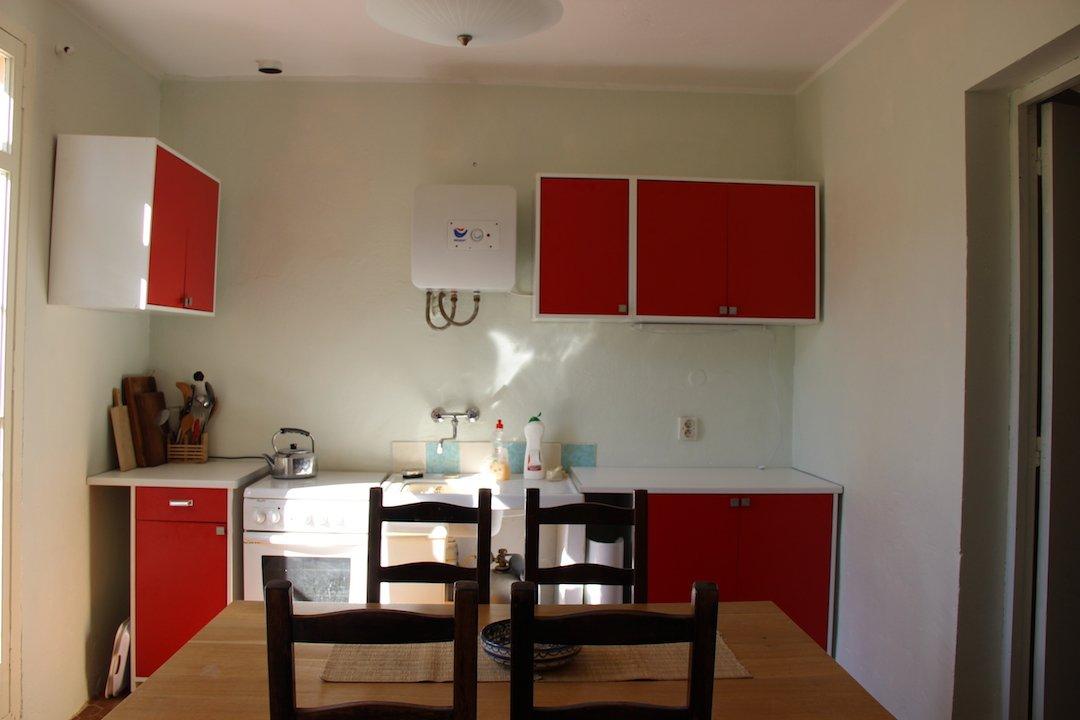 Provençal Farmhouse pretty kitchen and breakfast room in barn apartment