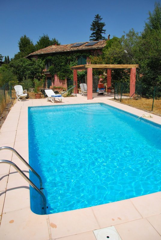 provence-painting-with-tess-cool-pool-on-hot-summer-days